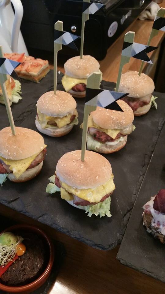 pinchos-hamburguesa-the-beetle-bilbao.jpg